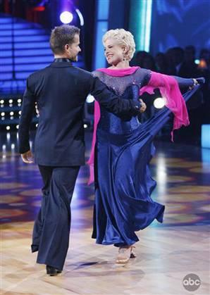 090923-dancing-osbourne-vmed_widec