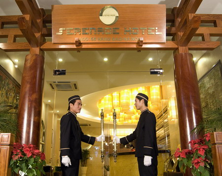 Serenade_Hotel_Hanoi_Bell_man
